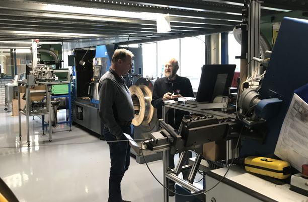 Hans Reker, Technische verenfabriek AVEK